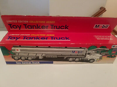 1993 MOBIL TOY TANKER TRUCK 1st IN A COLLECTORS SERIES RED BOX NEW IN BOX