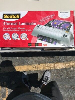 Scotch Thermal Laminator with three additional sets of laminating pouches - New