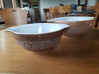 Vintage Pyrex Woodland 2 Pc Nesting Mixing Bowl Set. Great Condition!