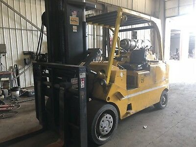 ROYAL 30,000lb FORKLIFT LPG