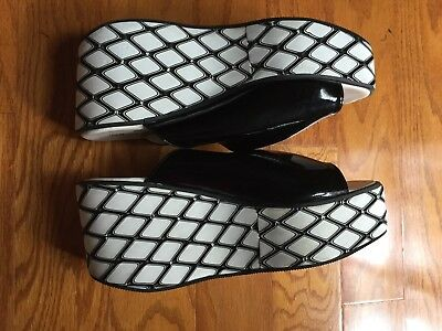 Vintage Platform Shoes Sandals Size 8 Groovy Black and White! EVC!