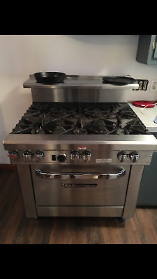 Southbend Ultimate commercial gas stove excellent condition !