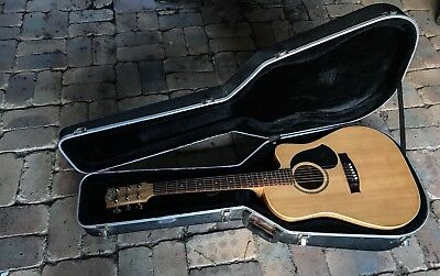 Maton Em225c Guitar AP4 pickup With Johnson Hardcase