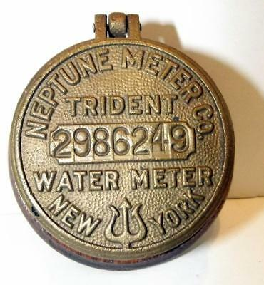 Vintage Neptune Meter Co. New York Water Meter Cover On Oak Base #2986249