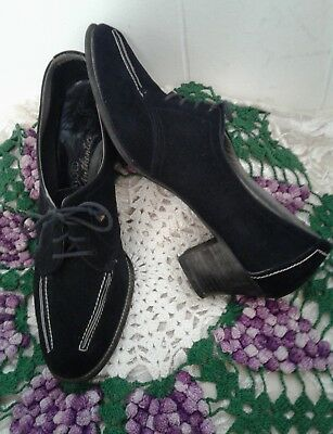 RARE Late 40's Womens Vintage Lace up Pumps Suede Leather Hand Made USA