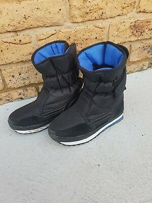 Kids Snow Boots size 3 elude brand
