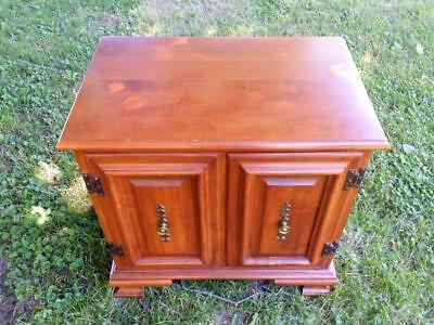 Tell City Chair Company Nightstand Commode Table Andover Hard Rock Maple 8511