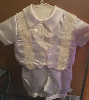 Boys 4 peice White SMALL  Infant Christening Baptism Outfit Boys 0-3 Mos.