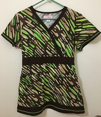 koi by Kathy Peterson Tan/Lime Green/Brown Scrub Top - Women's Size Small