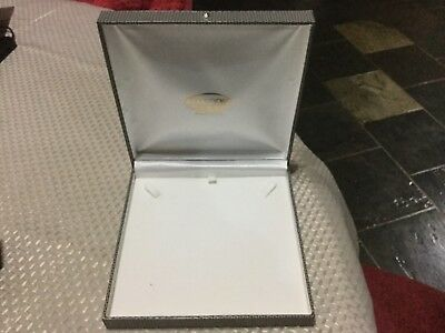 Vintage GW Cox Faux Lizard Skin Jewellery Box for String of Pearls or Necklace