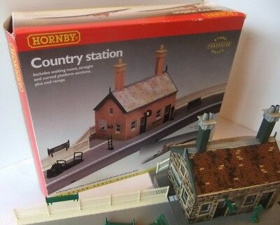 HORNBY RAILWAYS R8000 Country Station (Boxed)                             [8437]