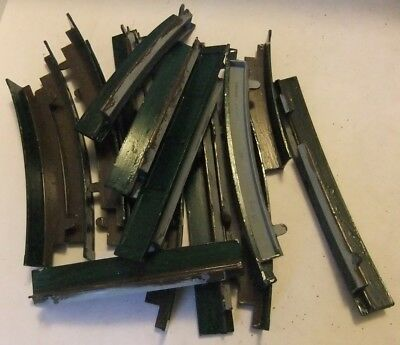 TRI-ANG HORNBY R89/90 Bundle of Track Side Wall Sections (Painted)        [8446]