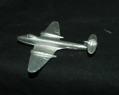 Dinky / 732 RAF Gloster Meteor Twin Engined Fighter