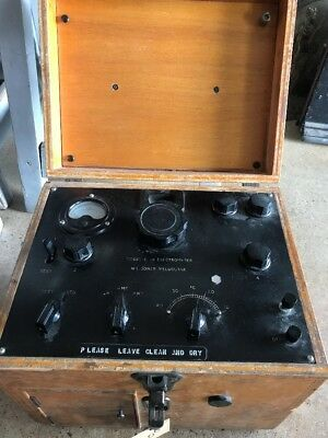 Australian Antique Vintage Model B pH Electrometer in Bakelite & Timber