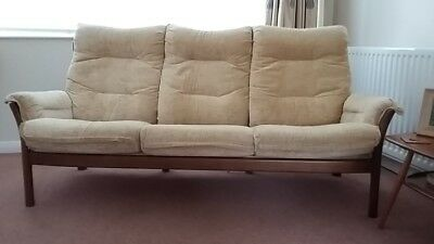 Pleasant Ercol Saville Three Seater Sofa With Two Matching Chairs 3 Evergreenethics Interior Chair Design Evergreenethicsorg