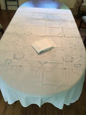 Vintage Madeira  Linen Tablecloth With 12 Napkins Light Blue And White Excellent