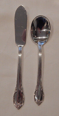 """1847 Rogers Bros. """"Remembrance"""" Silverplate Sugar Spoon / Butter Knife Set"""