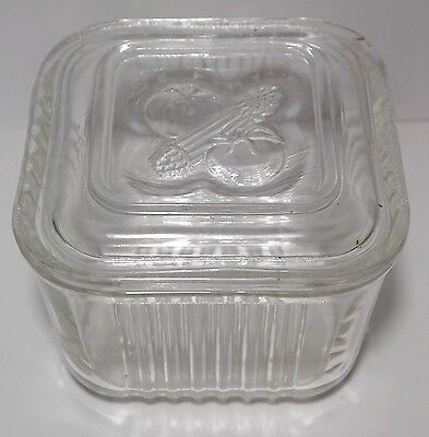 VINTAGE GLASS REFRIGERATOR Container with Vegs on top NO CHIPS