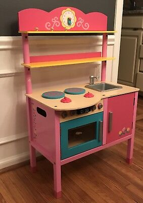 Kids Kitchenette With Baking Settings