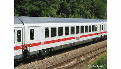 ROCO-64912-2nd class passenger car (HO SCALE)