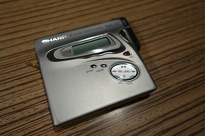 Sharp Minidisc MT 899 Player/Recorder   ( )  Silber  MD LP  teildefekt
