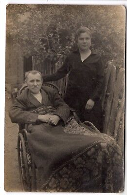 early 1900 MAN ON ANTIQUE WHEEL CHAIR ORIGINAL PHOTO EUROPE VINTAGE MEDICAL