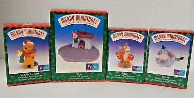 Hallmark Merry Miniature Disney Winnie the Pooh Christmas Figurine Lot of 4 1999
