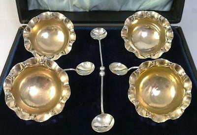 Antique Cased Set of hallmarked Sterling Silver Salt Cellars & Spoons – 1902