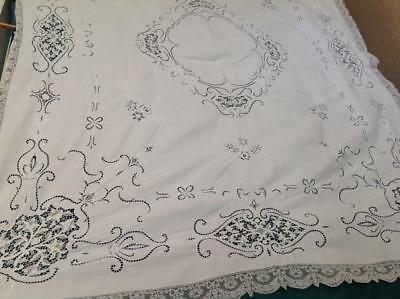 Vintage White  Linen & Needle Lace Pointe De Venise Insert Tablecloth