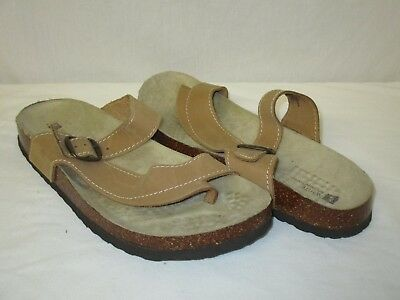 d8d5164201fe4 WHITE MOUNTAIN CARLY Beige Leather Thong Sandals Size 11 -  25.00 ...