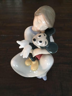 I Love You Mickey Mouse Girl Hugging Figurine Nao Disney By Lladro  #1641