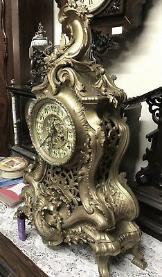 Reproduction clock, not working, sell for repairs