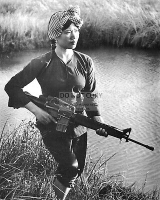 Female Viet Cong 18 Years Old In 1972 During Vietnam War - 8X10 Photo (Yw004)