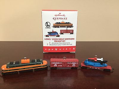2016 Hallmark Miniature Ornament LIONEL 2533W Great Northern Freight Set