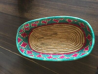 African(LOOK ) Tight Weave Basket -OVAL 7 1/2 X 4 X INCHES
