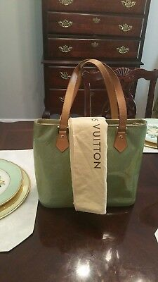 6fd432735a40 Large Louis Vuitton Green Vernis Leather Gold Tone Houston Tote Handbag  TH0919