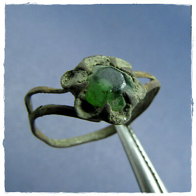 ** GREEN STONE ** Ancient BRONZE Byzantine ring !!!