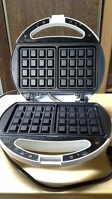 Homes Essentials Electric Waffle Maker in great shape