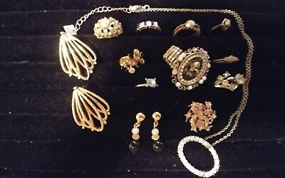 Make Offer...Lot of 13 Vintage & Antique VERY CLASSY Rings, Brooch, Etc...#1D