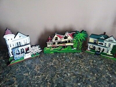 Sheila's Collectibles Mixed Lot Of 3 Houses, Historical Sites, And More