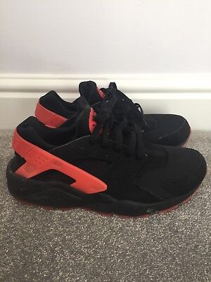 ed8d0c5d1ef8 NIKE AIR HUARACHE Black Love Hate Limited Edition Size 8 - £30.00 ...