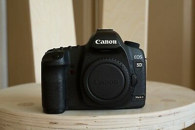 Canon EOS 5D Mark II 21.1MP Digital SLR Camera - Black (Body Only) w/charger
