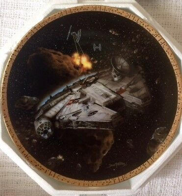 The Hamilton Collection Star Wars Space Vehicles Millennium Falcon Plate # 4548B