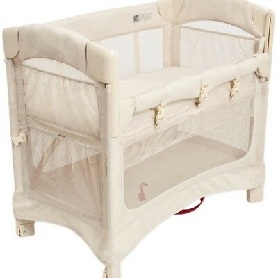 Arm's Reach Concepts Mini Ezee 2-in-1 Bedside Bassinet Natural
