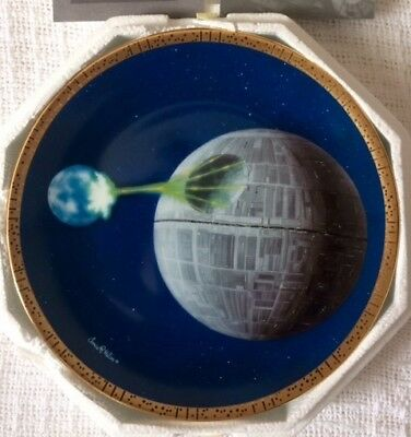 The Hamilton Collection Star Wars Space Vehicles Death Star Plate # 2133A