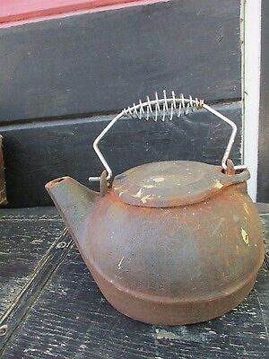 Vintage Antique Cast Iron Tea Kettle With Rotating Lid & Pivoting Bail Handle
