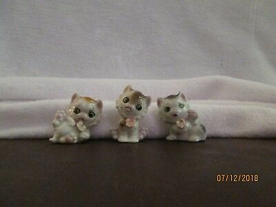 Cat-Kitten Miniatures Porcelain Glossy White w/Pink Flower Set 3 JAPAN Red-Stamp