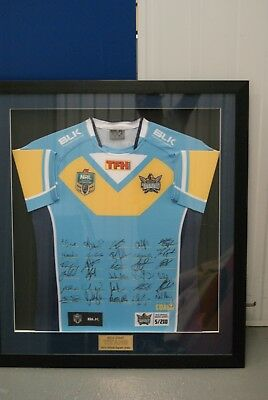 Gold Coast TITANS 2015 OFFICIALLY SIGNED AND FRAMED JERSEY MEMORABILIA
