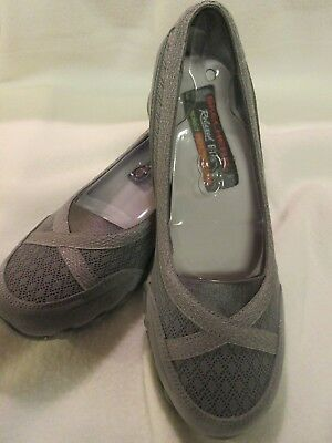 NEW Women's SKECHERS Relaxed Fit Memory Foam Air-Cooled (8) Gray Slip-On Flats