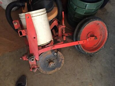 Allis Chalmers single row planter - 3 pt hitch